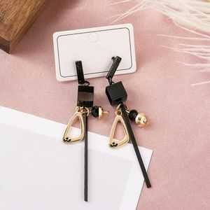 🆕️Square Dangle Earrings 😍